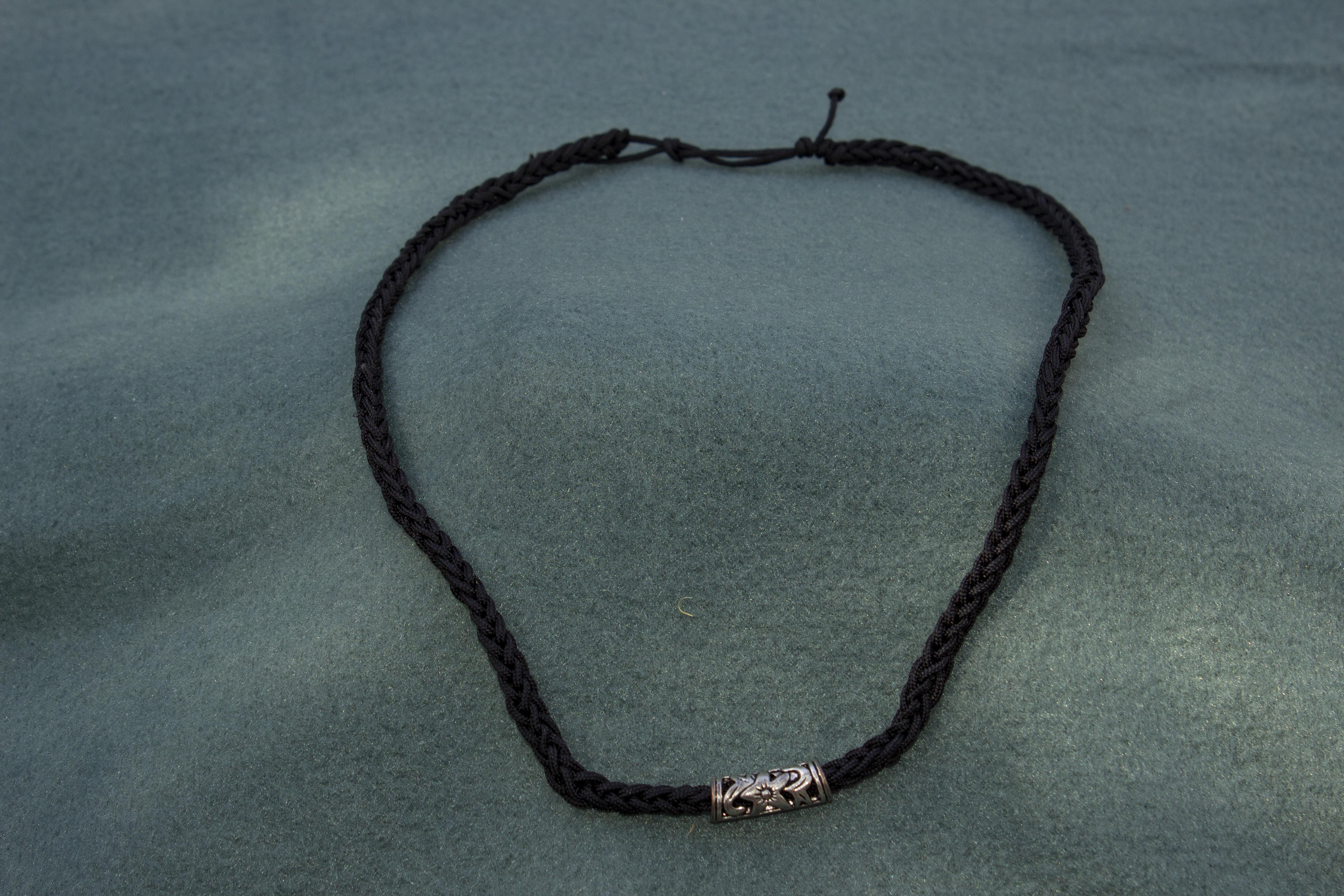 Halskæde med vikingeperle